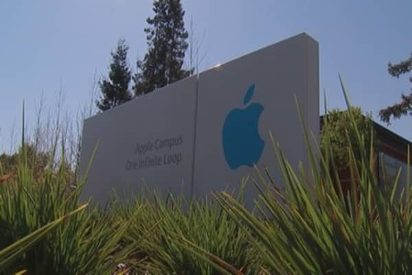 Apple's cash pile stacks 14k miles tall!