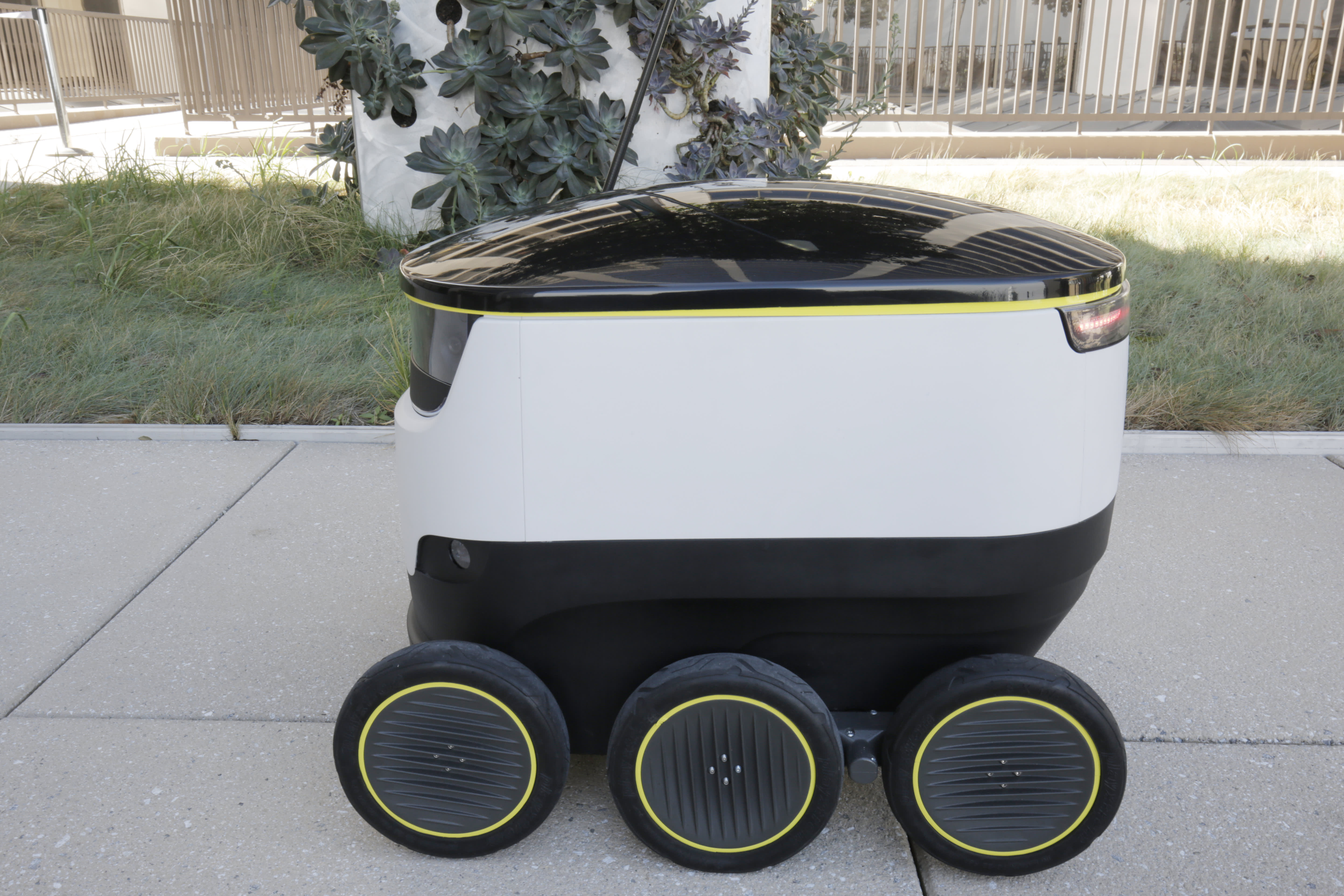Forget Delivery Drones Meet Your New Robot