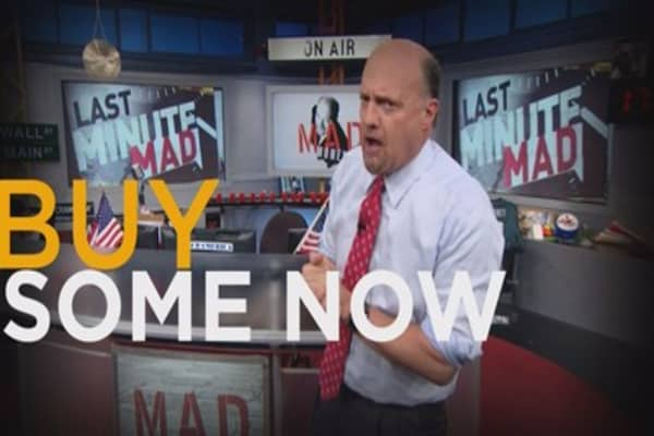 Cramer: The 2 great growth stocks of our time