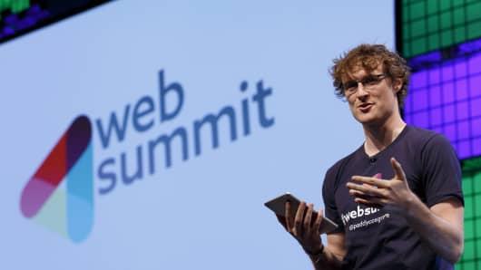 521928415TF044_Web_Summit_D