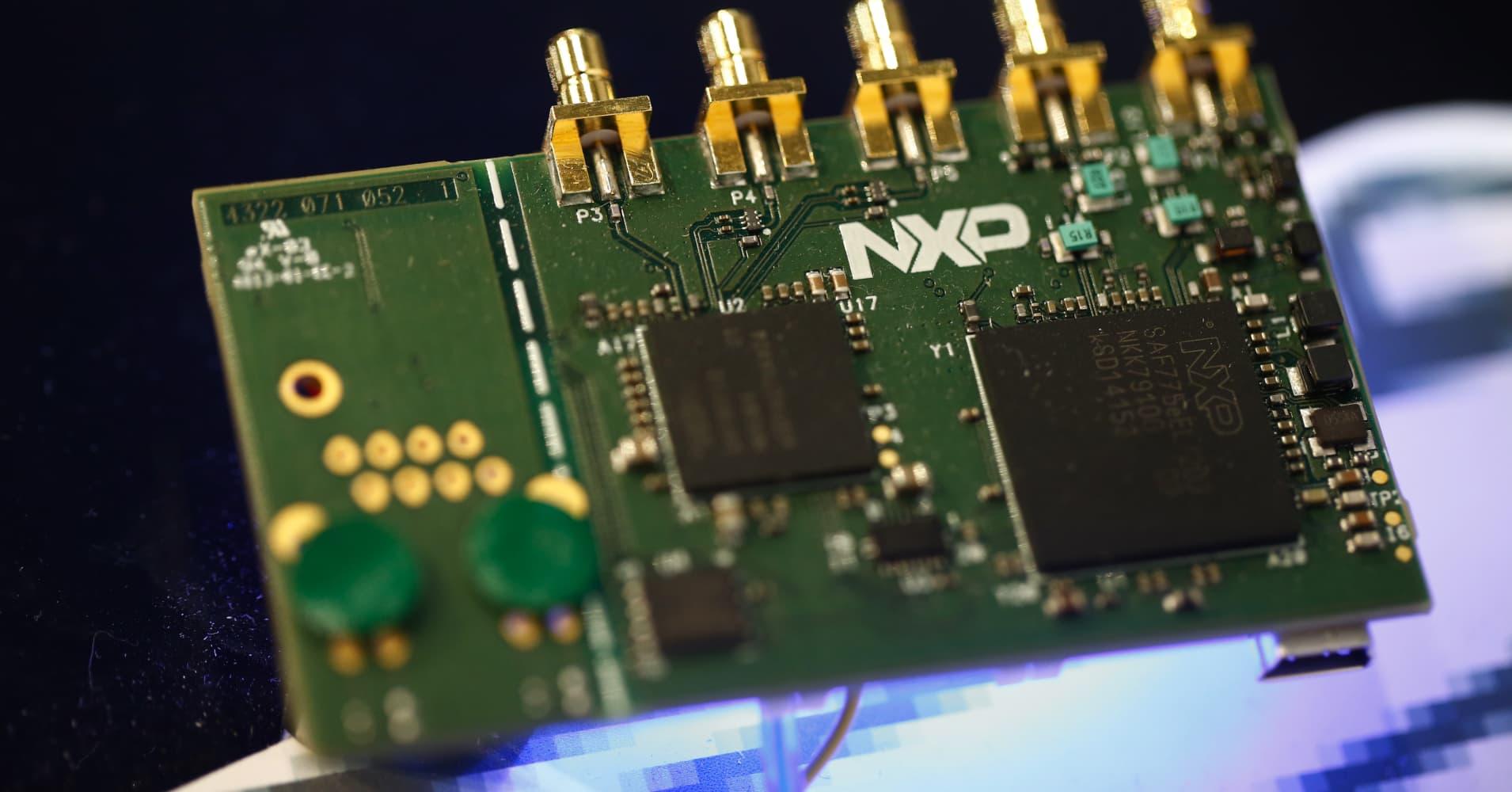 Enterprise Auto Finance >> Qualcomm raises offer for NXP Semiconductors