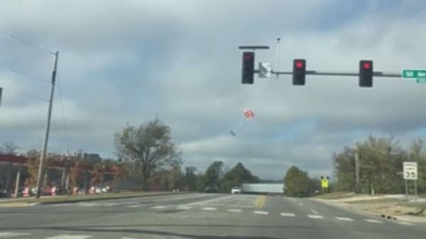 Parachute saves pilot of small plane in Arkansas