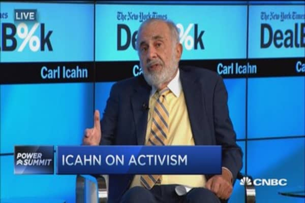 Carl Icahn: Walking into a minefield with Fed