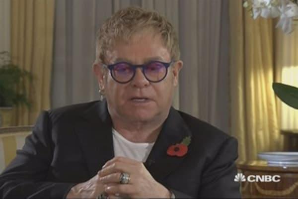 Elton John steps up fight against HIV/AIDS