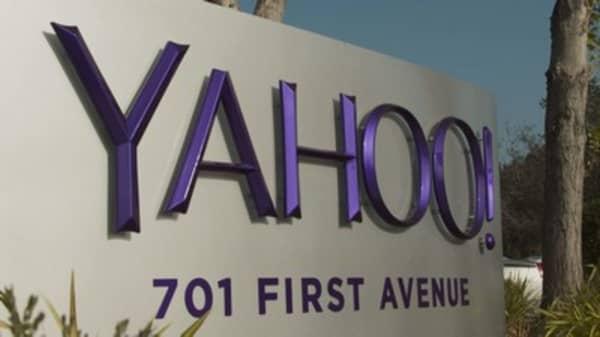 Yahoo hires Mckinsey & Co.