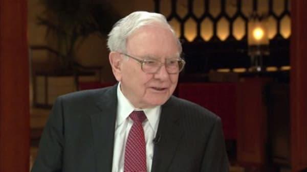 Ackman versus Buffett battle