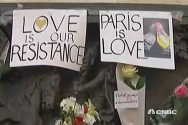 Paris mourns after terrorist attacks