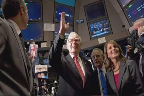 Warren Buffett not spooked by Paris attacks
