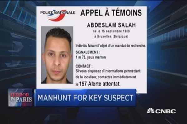 Manhunt for key suspect