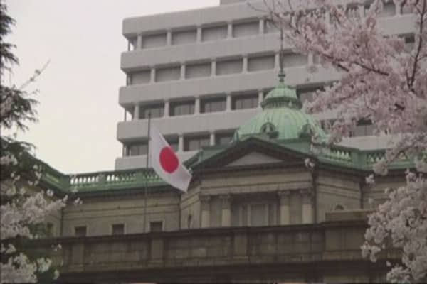 Japan's economy shrinks back into recession