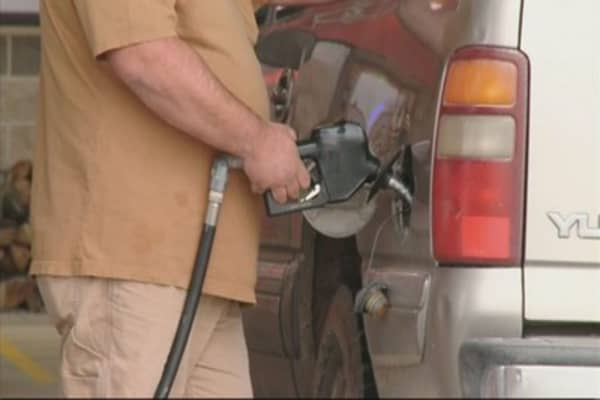 Gas prices get lower in the Midwest