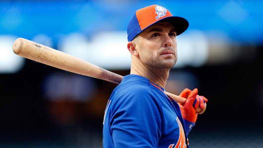 David Wright #5 of the New York Mets looks on during batting practice prior to game one of the 2015 MLB National League Championship Series.