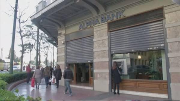$400 billion ripoff threatens Greek bailout