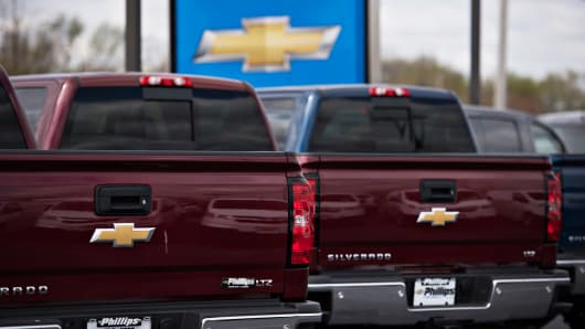 2015 Chevrolet Silverado pickup trucks for sale in Frankfort, Ill.