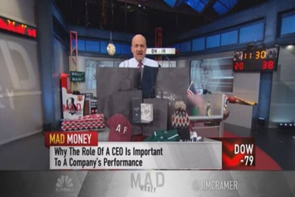 Cramer: With no CEO, this retailer is crushing it!