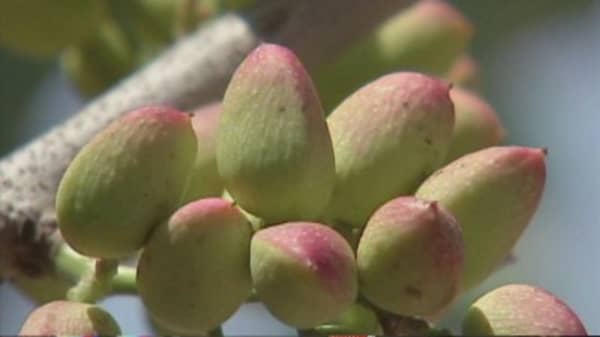 Thieves go nuts for nuts in California