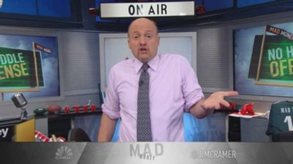 Cramer: Mass layoffs in manufacturing don't matter