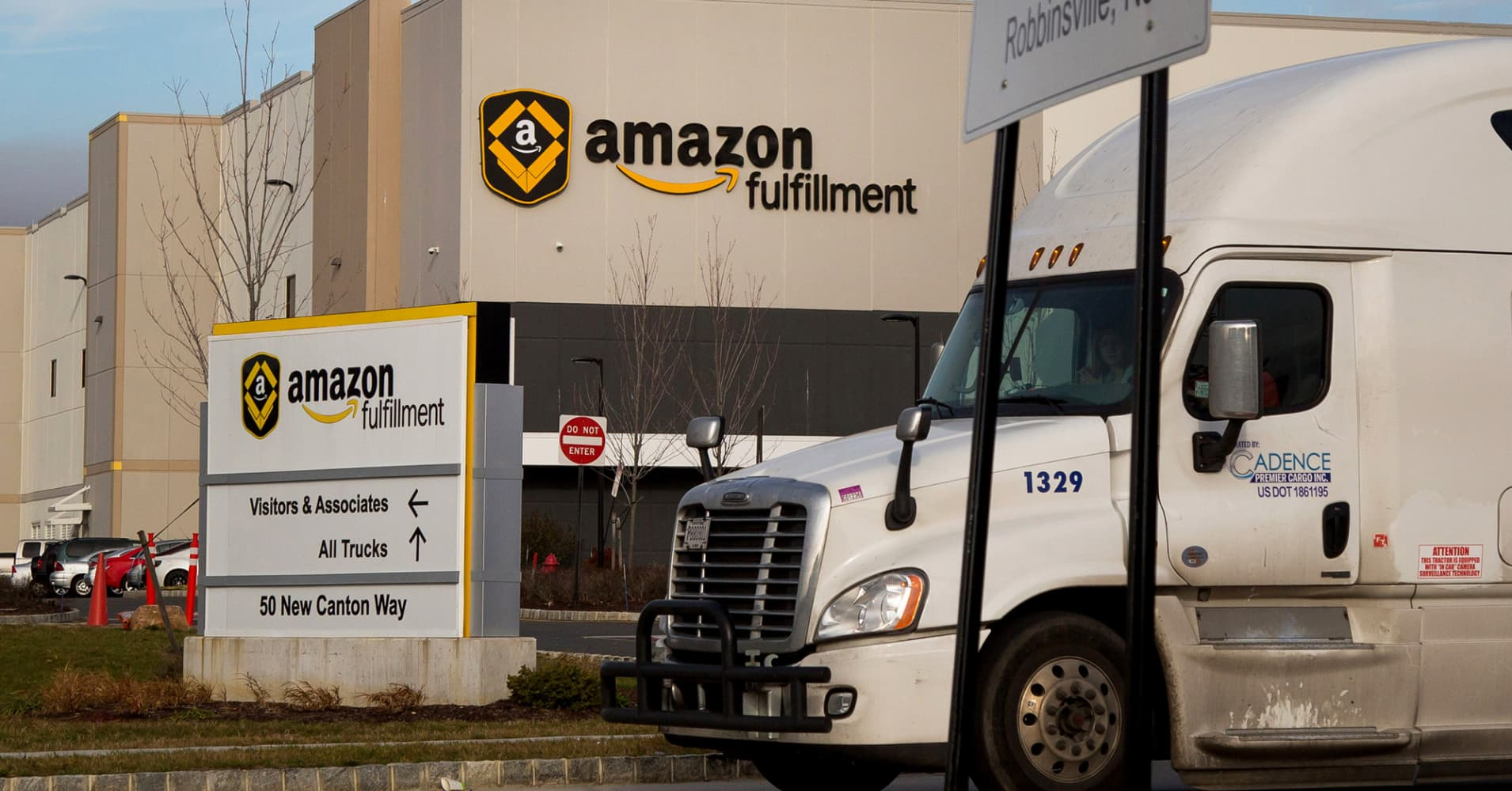 Amazon: Additional deliveries with our own truck fleet