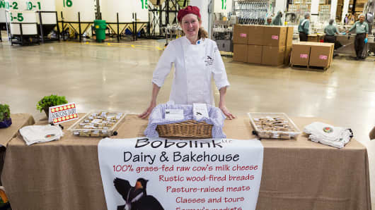 Inward Point intentionally chooses its partners for quality and environmental/social impact like Bobolink Dairy & Bakehouse -- a sustainable, family-owned farm less than 50 miles from the event, who provided grass-fed cheeses and seedlings for Ecos' new employee garden.