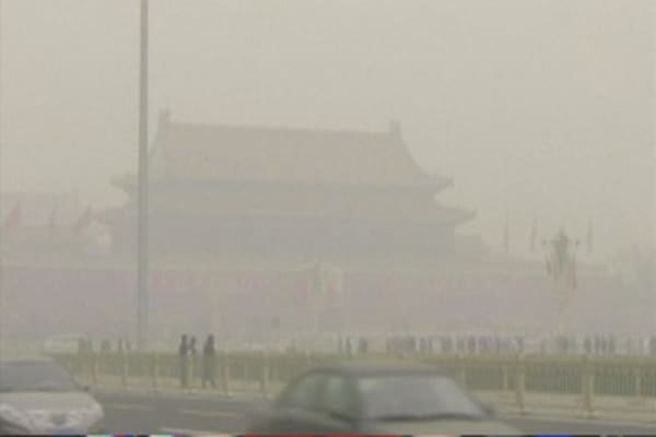 Beijing schools closed due to heavy smog