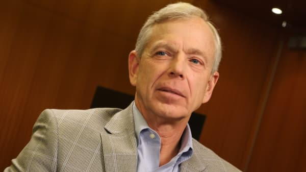 Lowell McAdam Chairman and CEO of Verizon.