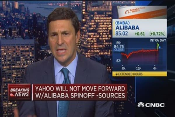 Yahoo examines spinoff of core business: Sources