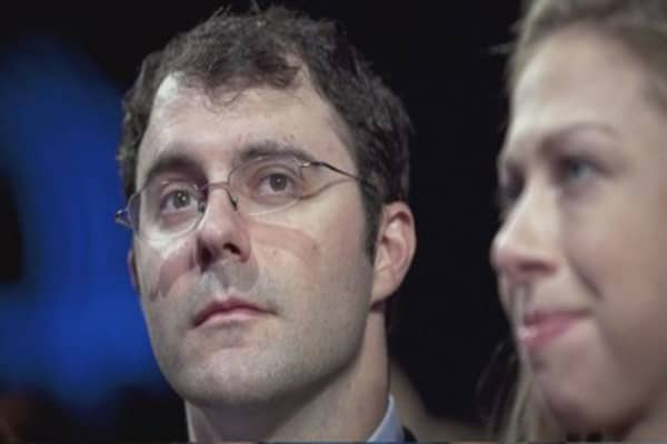 Email reveals Hillary Clinton intervened on behalf of son-in-law
