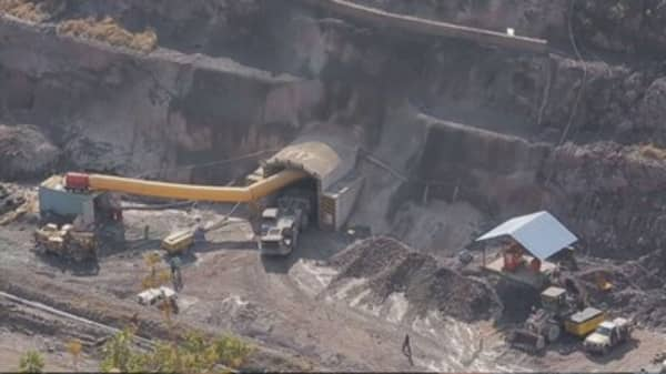 Glencore to reduce debt further and deepen capex cuts