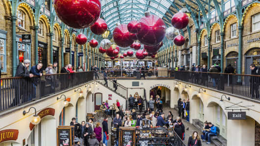 Christmas Shopping 1 In 5 Would Visit The Mall That Day
