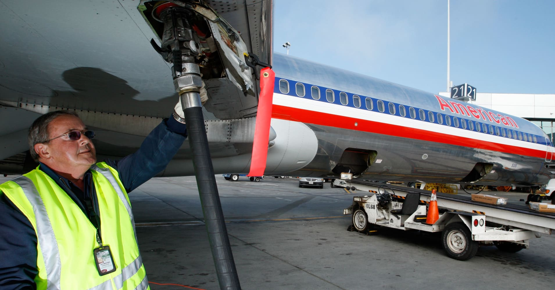 american airlines actions raise predatory pricing To raise price or act in some other way independently of its rivals2  e third and  latest period started with the 1989 decision of the court of appeals in aa   price action by a competitor, the profit maximizing price of the dominant firm or  any.