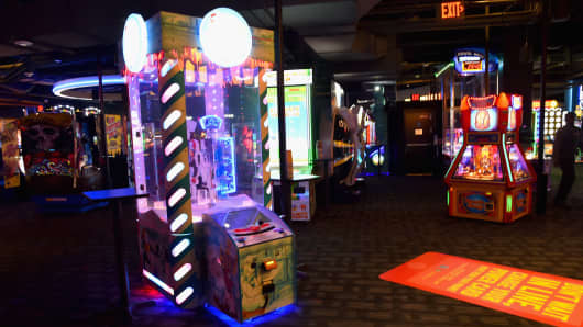 Arcade games at a Dave and Busters in Hollywood, Calif.