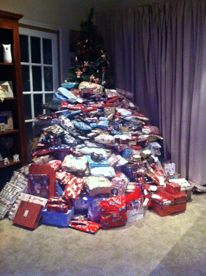 mom buys 300 presents for kids gets trolled