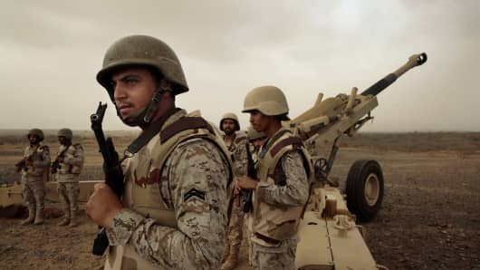 Saudi military forces stand ready on Yemen border.