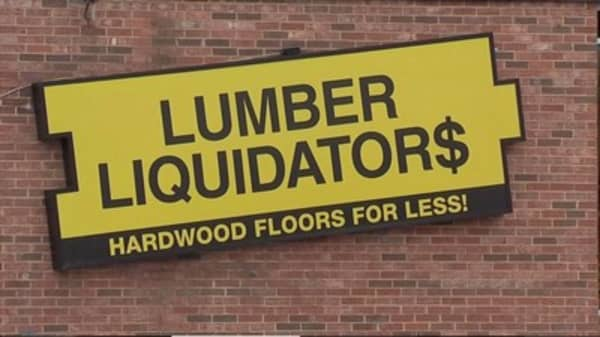 Lumber Liquidators shares jump as critic backs off