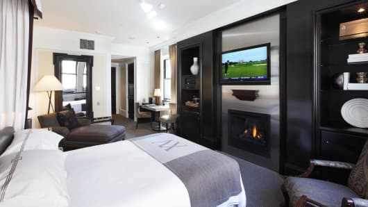 Fifteen Beacon Hotel Room