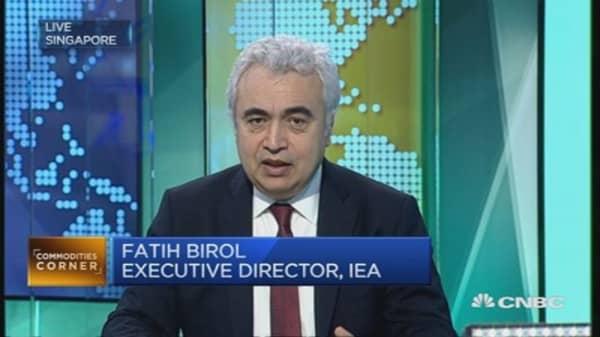 IEA warns on long-term impact of sinking oil