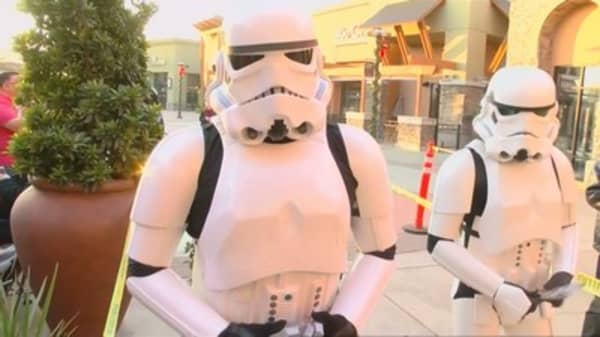 'Star Wars' destroys past records