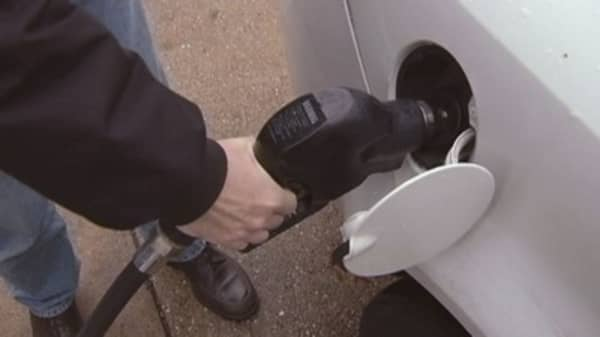 US gas prices fall to lowest in more than 6 years