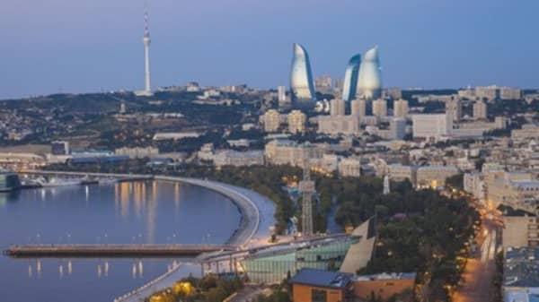 Azerbaijan's central bank adopts floating manat rate