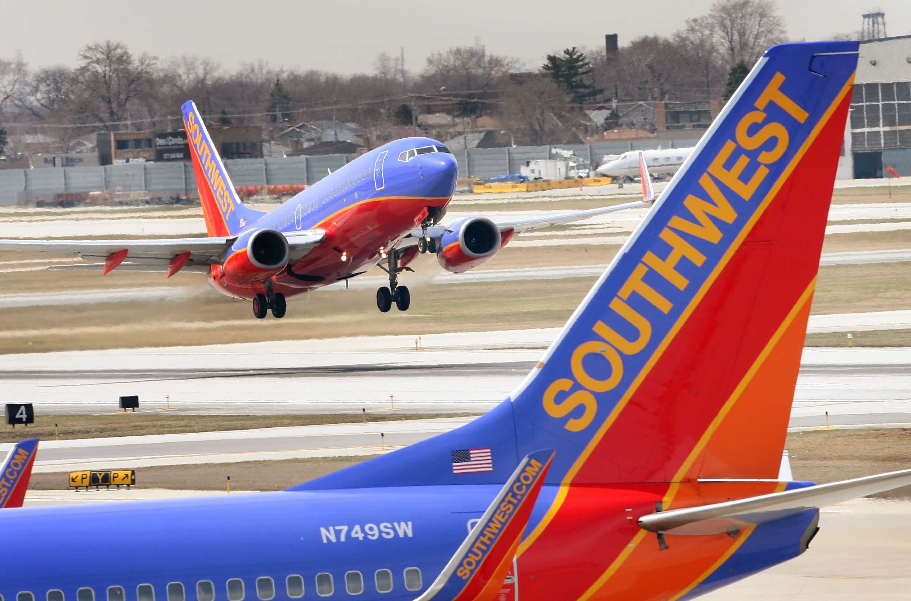 Southwest airlines q3 profit narrowly beats expectations buycottarizona