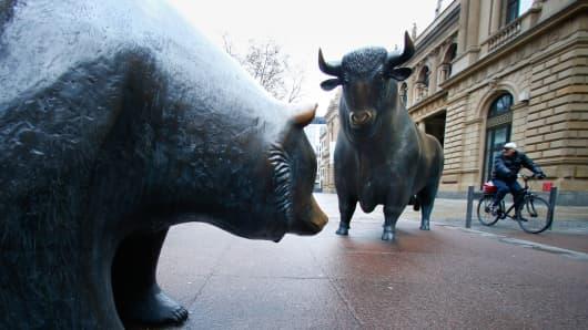 Bull and bear statues outside Frankfurt's stock exchange in Frankfurt, Germany.
