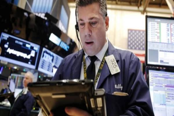 Markets seek to extend holiday win streak