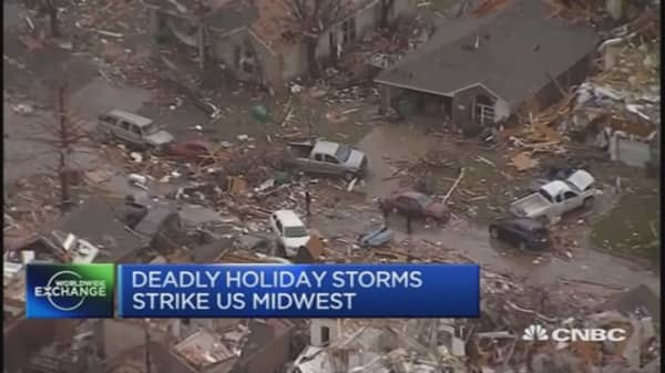 Deadly holiday storms strike mid-US