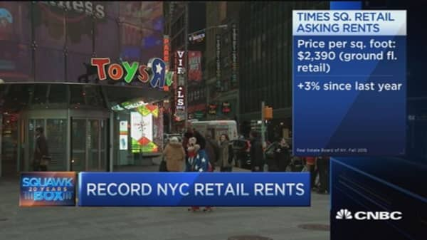 Toys 'R' Us Times Square store closing its doors