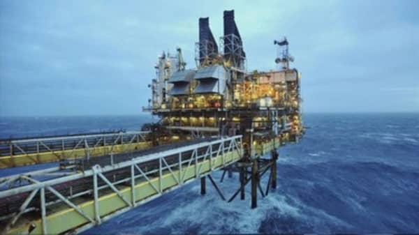 North Sea storm forces oil rig evacuations
