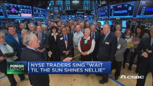 NYSE traders sing to open 2016