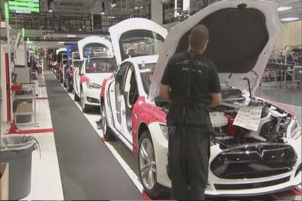 Tesla delivered 17k vehicles in Q4, 50k in 2015