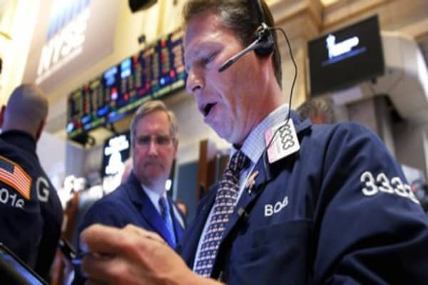 World markets tumble on new geopolitical concerns