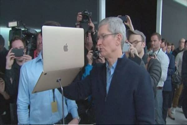 Apple CEO Tim Cook took home $10.3M in 2015