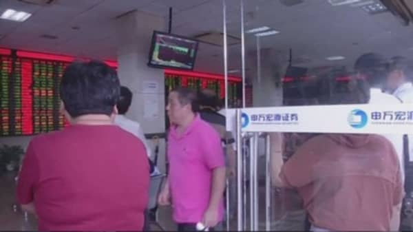 China's securities regulator restricts big share sales